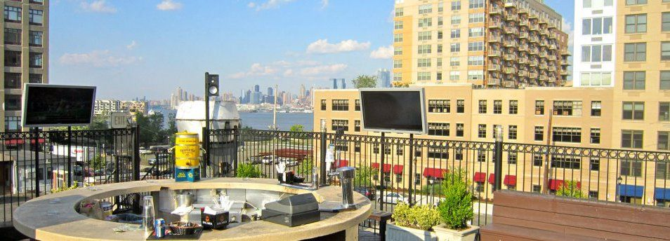 city bistro view for outdoor sports game watching