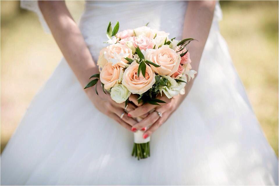 Bouquet Sposa Color Pesca.Bouquet Da Sposa Color Pesca By Profumo Di Fiori Con Il Matrimonio