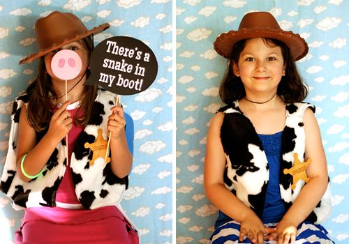 Love, love, LOVE these Toy Story party ideas.  Especially the photo booth with Toy Story props & cloud background.  So cute!