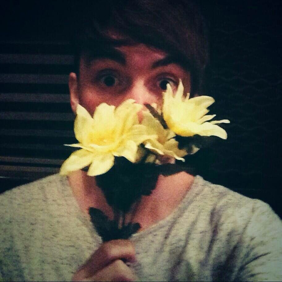 Alex- those were the flowers that were given to him at the concert I went to :)