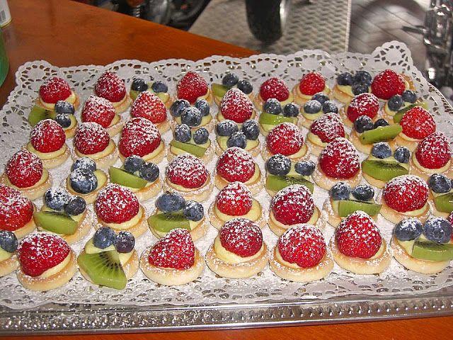 Beste Kuchen: Obsttörtchen mit Vanillecreme