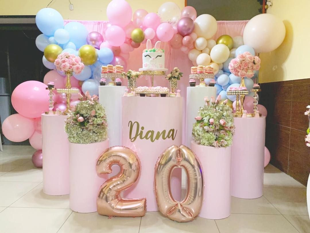 20 Year Old Woman Party Eventofy Magazine Communaute Evenements Celebration Numero 1 Ladies Party Birthday Woman Neon Party