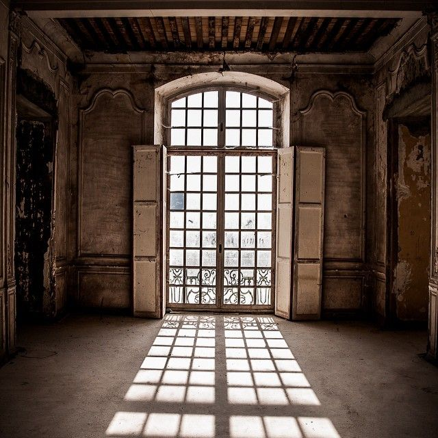 Upper floor window reflection. Photo courtesy of Michael Megaw. #chateaudegudanes