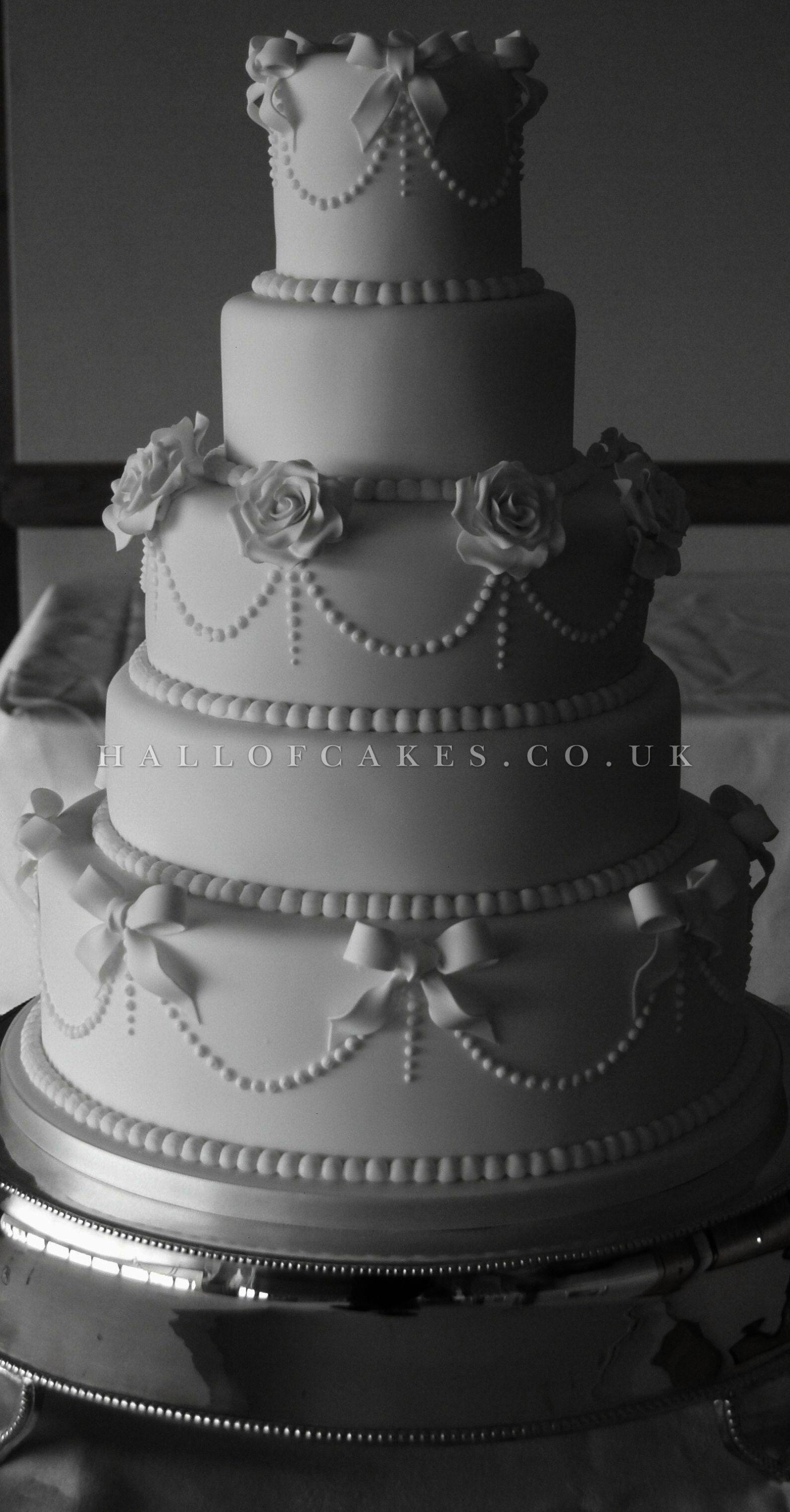 Zambian wedding decorations  Impressive ue Unique Wedding Cakes Zambia D  Wedding Cakes