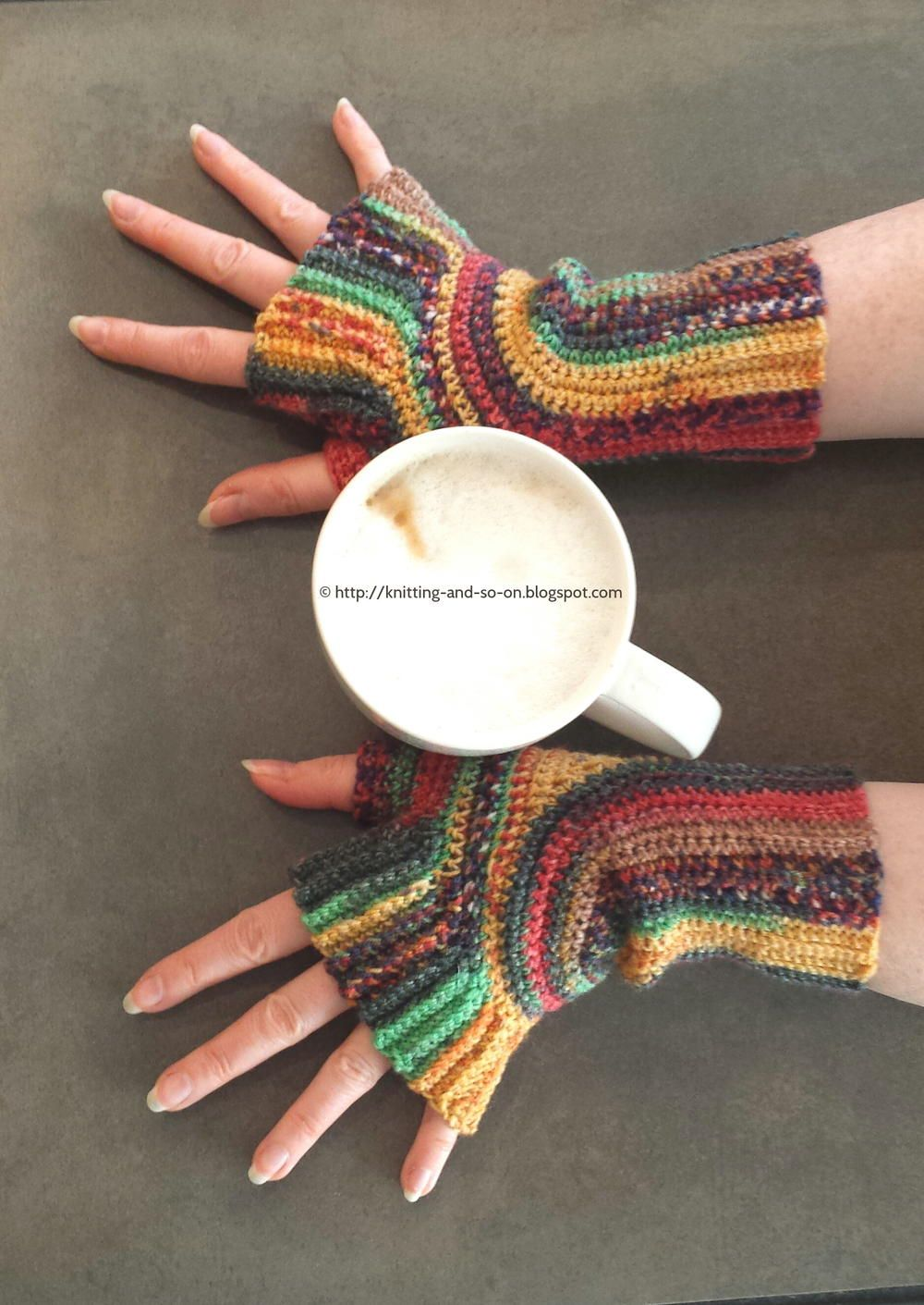 Artistic dreams crocheted mitts crochet free crochet and yarns artistic dreams crocheted mitts bankloansurffo Choice Image
