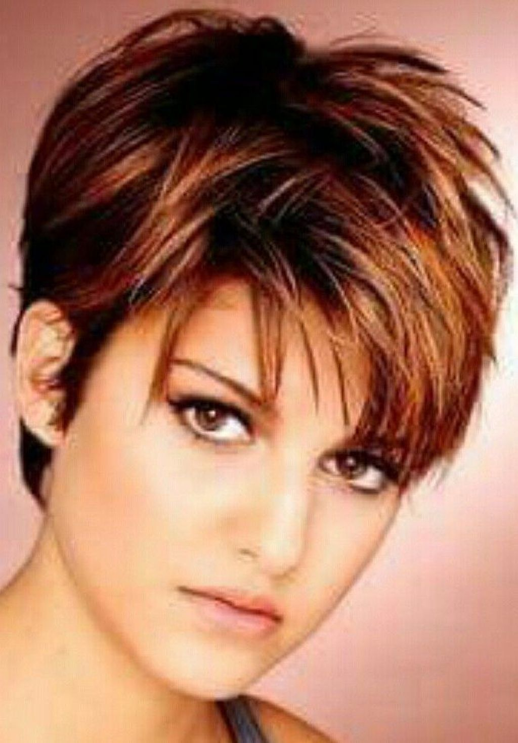 40 Adorable Short Hairstyle Ideas For Women With Round Face Shapes Womens Hairstyles Short Hairstyles For Women Thin Fine Hair
