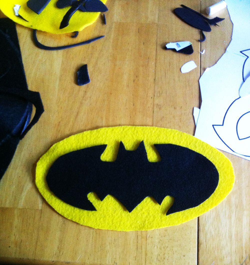 diy no sew batman karneval. Black Bedroom Furniture Sets. Home Design Ideas