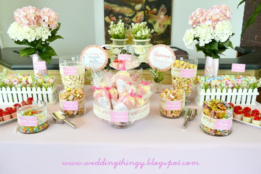 Candy buffet is a common trend and because it