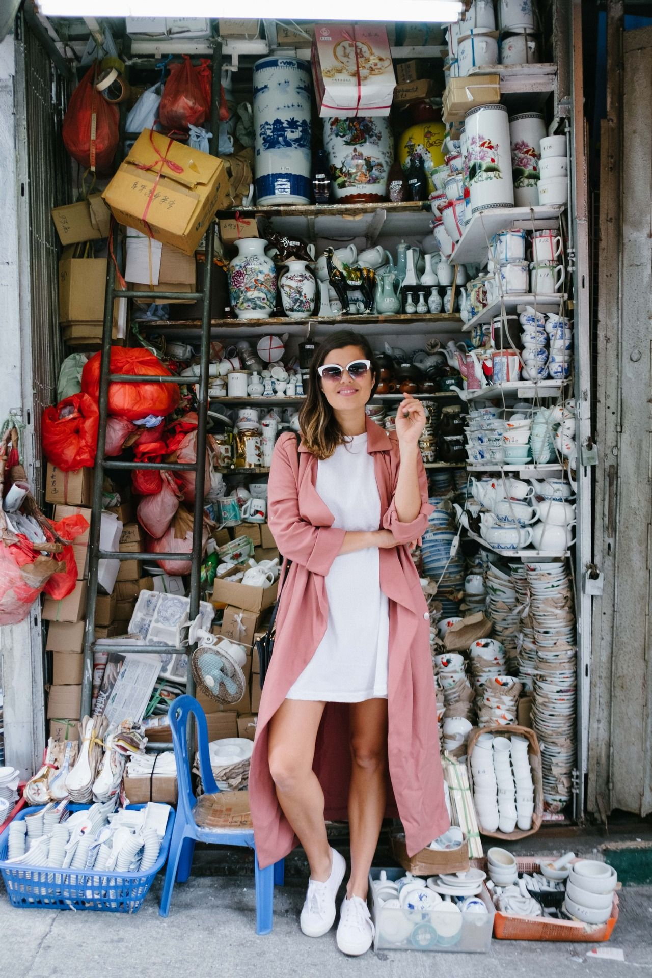 Hong Kong Travel Guide http://apairandasparediy.com/2017/03/hong-kong-guide-sai-ying-pun-kennedy-town/