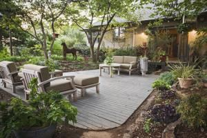 Ready to build a deck? We'll help you find the right type and design for your outdoor space along with  the best place upon which to build it.: Detached or Island Deck