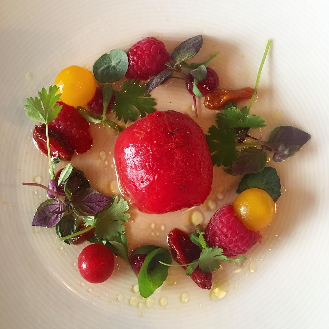 A Summer Dish By St Andrea Wine And Gourmet Bar Tomatoes In Many Ways Complimented With Raspberry So Fresh Summer Dishes Food Beautiful Plates