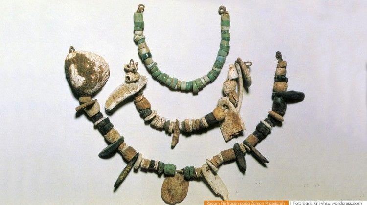 Ragam Perhiasan Zaman Prasejarah Bercocok Tanam  Mengenal Gelang Batu Kulit Kerang