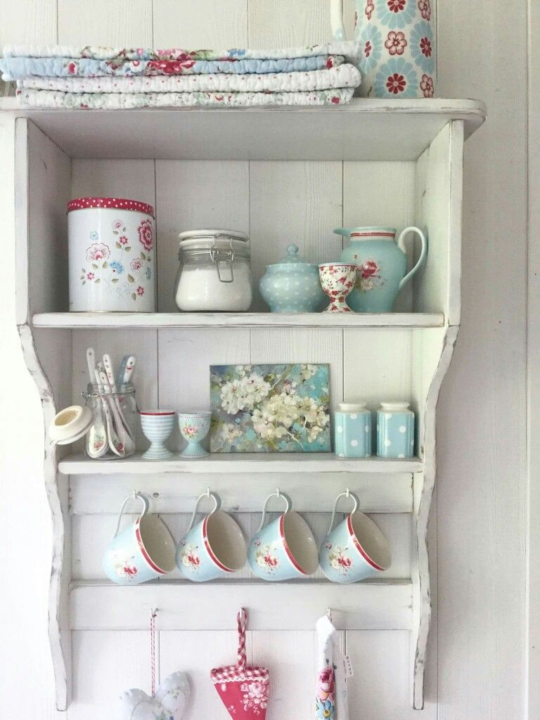 Küchenregal | cafe ideas | Pinterest | Shabby, Shelf display and Red ...