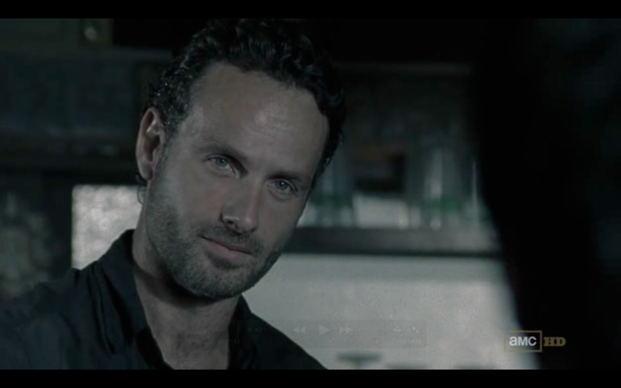 Andrew Lincoln looking delicious during the season 2, part 2 premiere ♡
