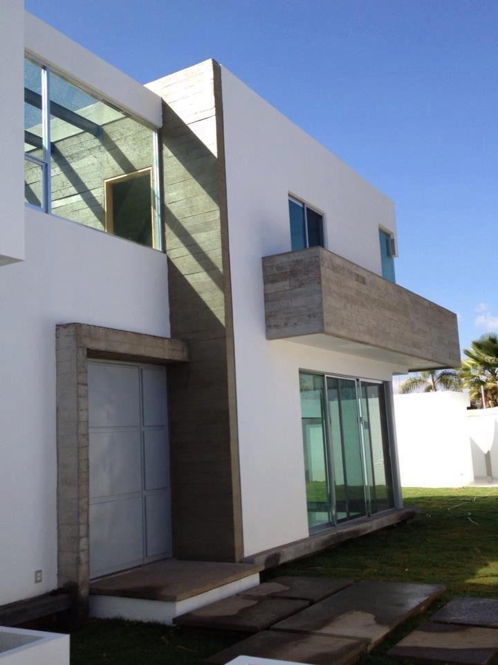 Fachada con cemento me encanta la entrada de luz al for Fachadas de casas segundo piso