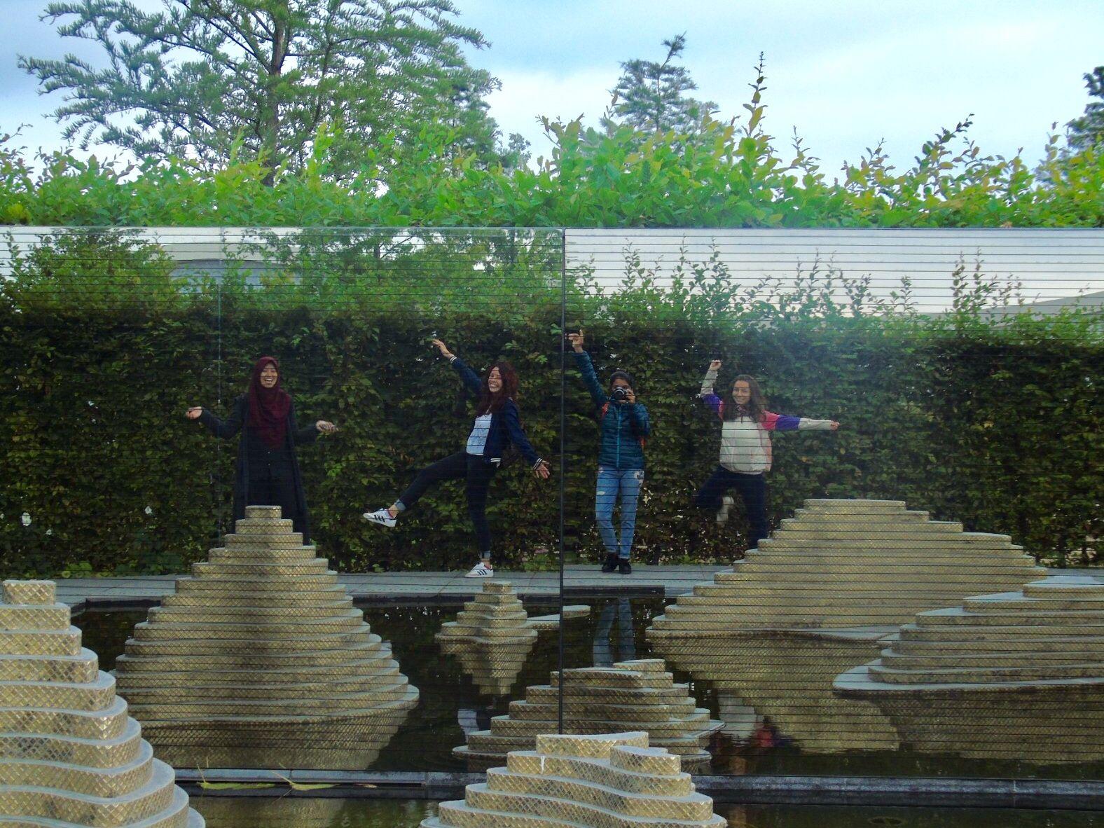 Foto Des Tages Alexandra Deutschkurs Berlin Wir Sind In Die Garten Der Welt Gegangen Und Wir Hatten Viel Spass Es Gibt Berlin Radolfzell Am Bodensee Welt
