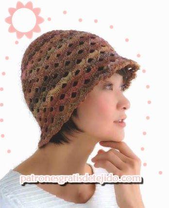 22a640c714f38 Patrones de gorro crochet con bonito diseño