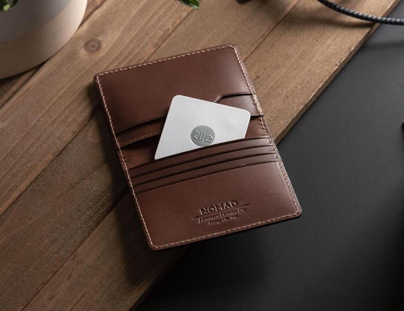 Using advanced crowdsource location and Bluetooth technology, the integrated Tile Slim makes it easy to keep track of your #wallet. #gadgets #bluetoothtechnology