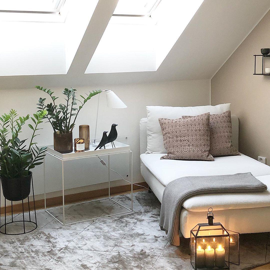 Afbeelding kan het volgende bevatten slaapkamer en binnen   Zimmer mit dachschräge einrichten ...