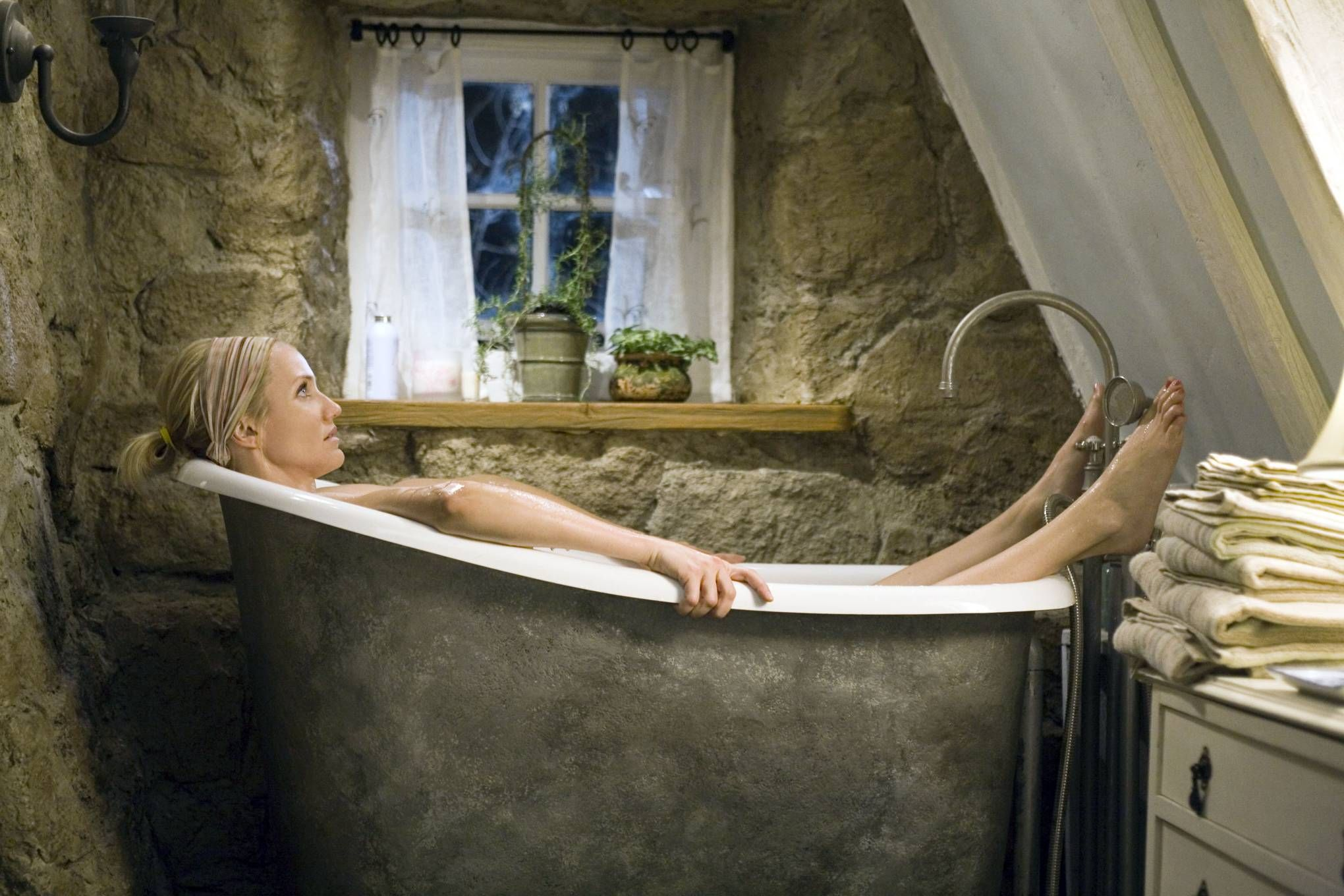 The Most Spectacular Bathroom Interiors From Films English Cottage Holiday Bathroom Holiday Movie