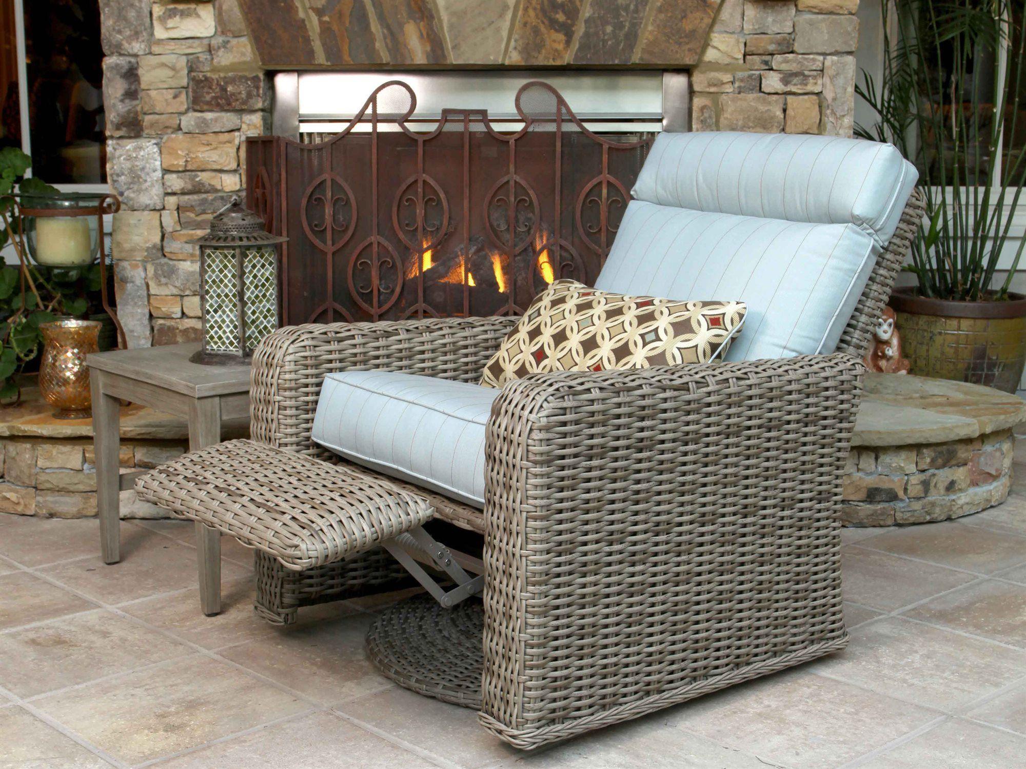 ebel laurent wicker lounge set