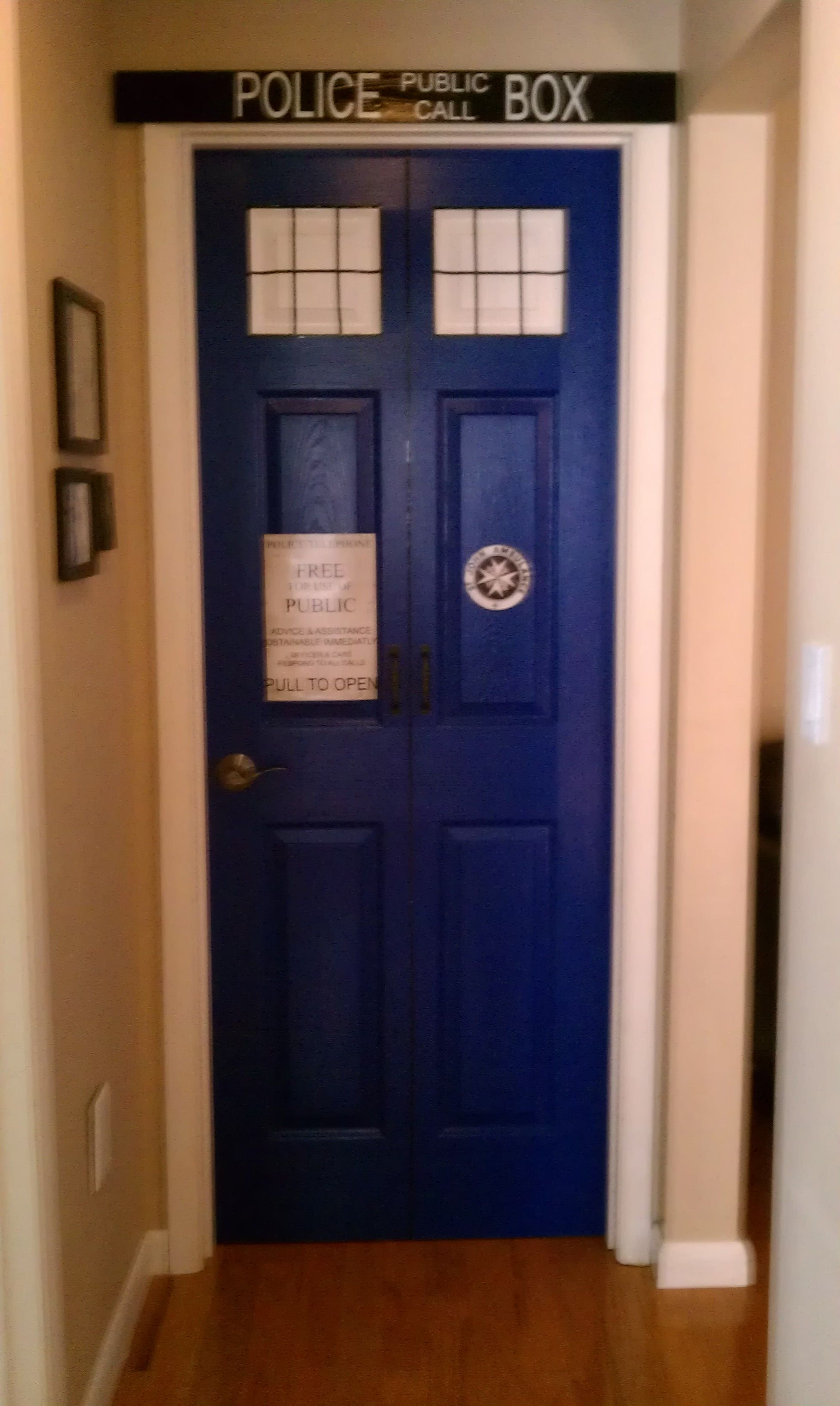 Tardis... if i can\'t do a bookcase, then a bedroom door might work ...
