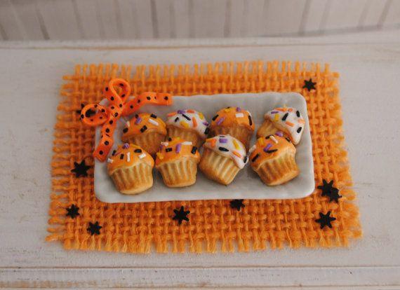 Miniature Halloween Cupcake Cookies