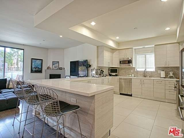 11811 Kiowa Ave #101, Los Angeles, CA 90049 U2014 Contemporary Open Gourmet  Kitchen With White Qortstone Counters, Elegant Marble Mosaic Back Splash,  ...
