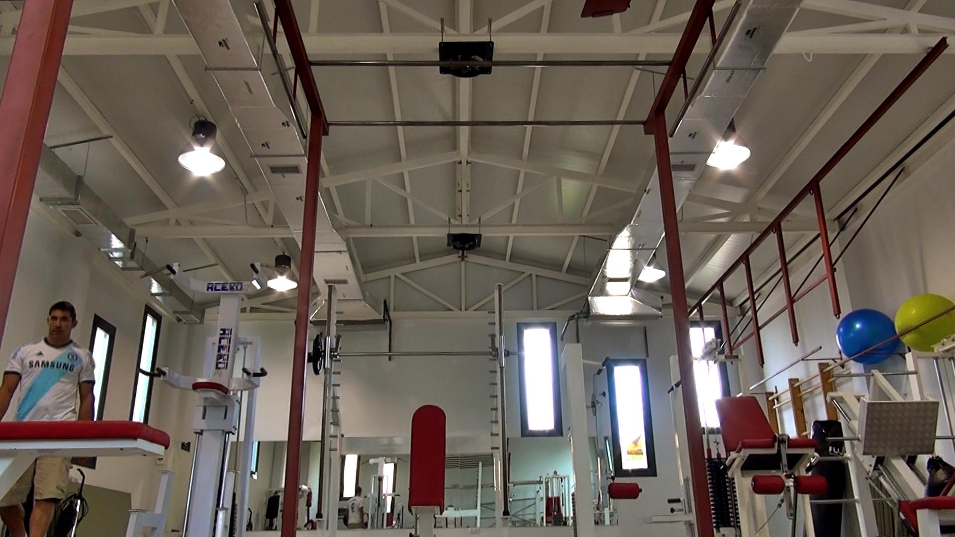Instalación de aire acondicionado en un gimnasio