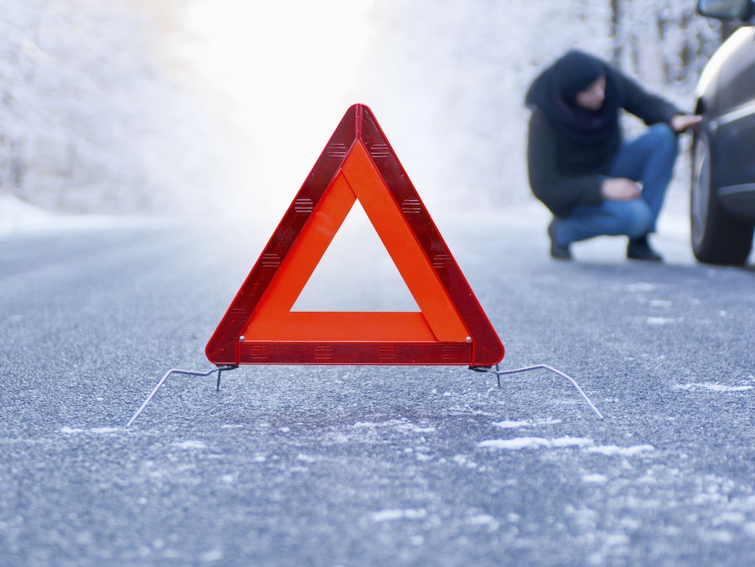14 Essential Items for Your Vehicle Emergency Kit Winter
