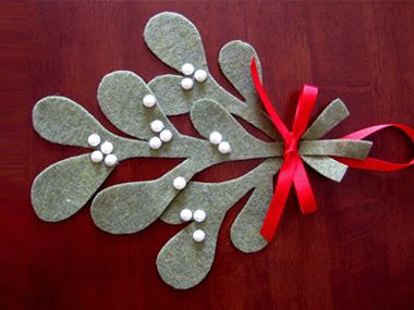 cheap christmas decorations: 24 homemade decorating ideas | diy