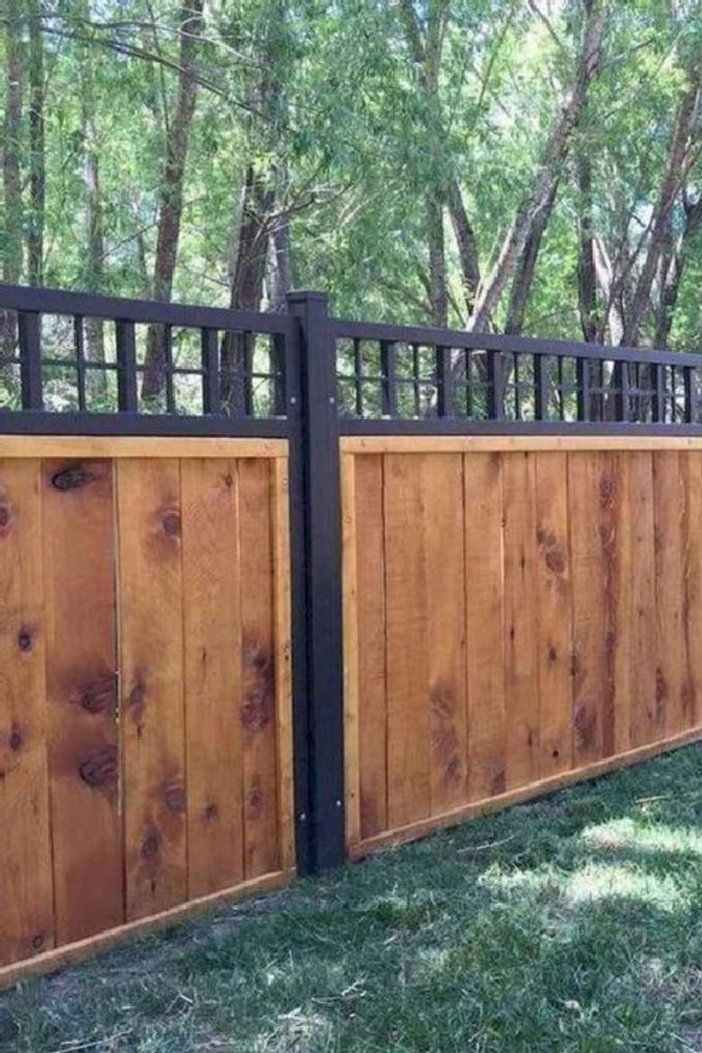 5 Easy And Cheapest Tips For Building A Wood Privacy Fence One Of The Best Materials That You Can Use When You In 2020 Wood Privacy Fence Fence Design Building A Fence