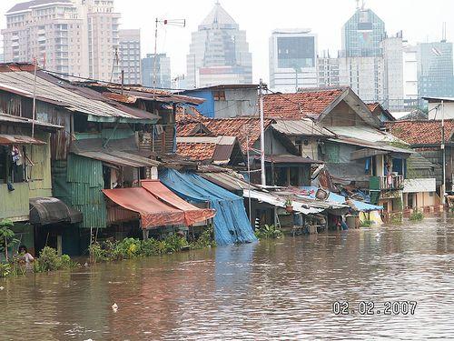 Flood in the slums Slums in the World Slums