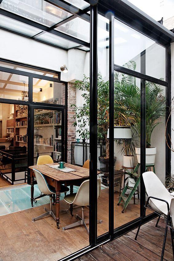 une ancienne imprimerie recompos e en loft pi ces de monnaie cuisine et espaces. Black Bedroom Furniture Sets. Home Design Ideas
