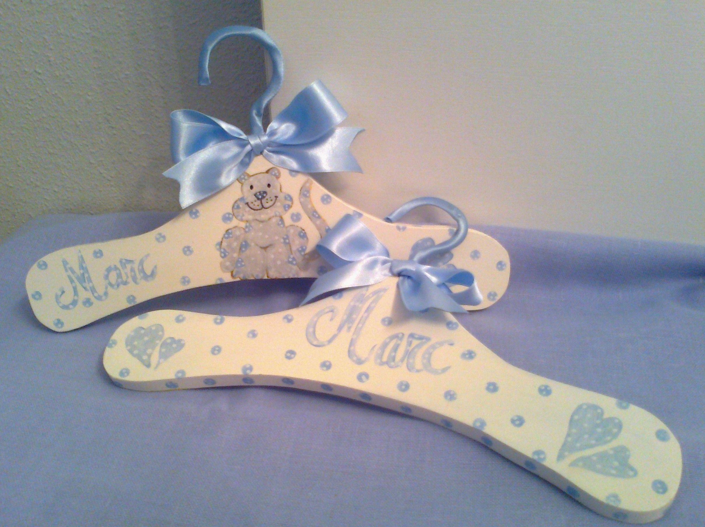 Perchas infantiles hangers perchas pinterest - Perchas para bebes ...