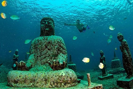 Pemuteran hidden underwater temple, it's 20-minutes away from the Lovina Beach, Bali Indonesia. Magnificent!!!