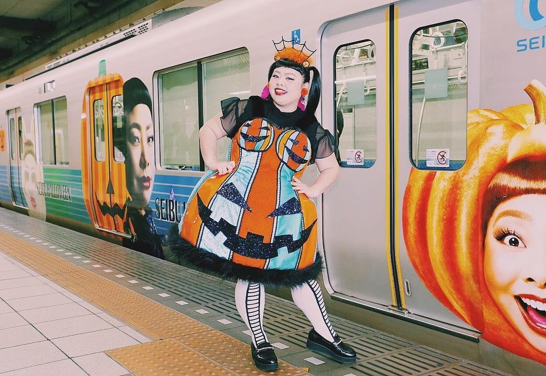 La mujer del año en Japón, según Vogue, es una chica de casi 100 kilos y seis millones de seguidores en Instagram. Analizamos el fenómeno Naomi Watanabe