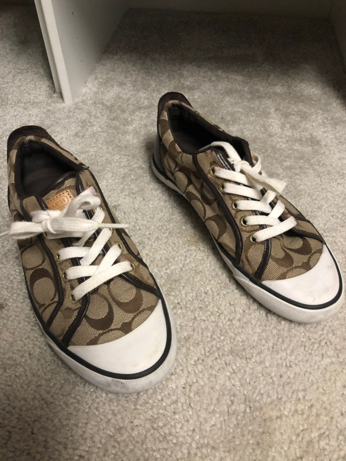 Authentic coach shoes needs to be wash Coach shoes