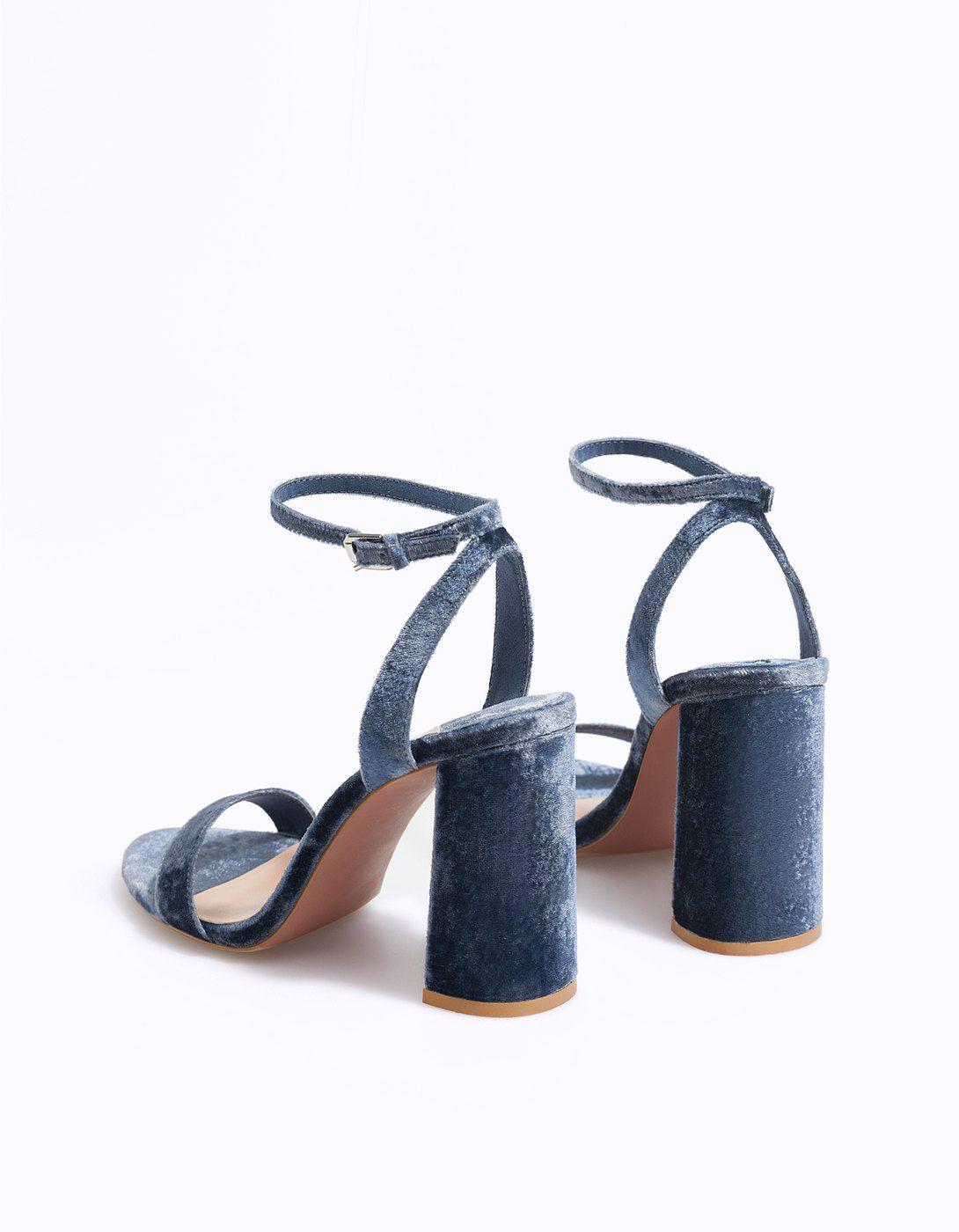 0fd68be7b1 Sandalo tacco velluto - Scarpe| Stradivarius Italia | S H Ö E S ...