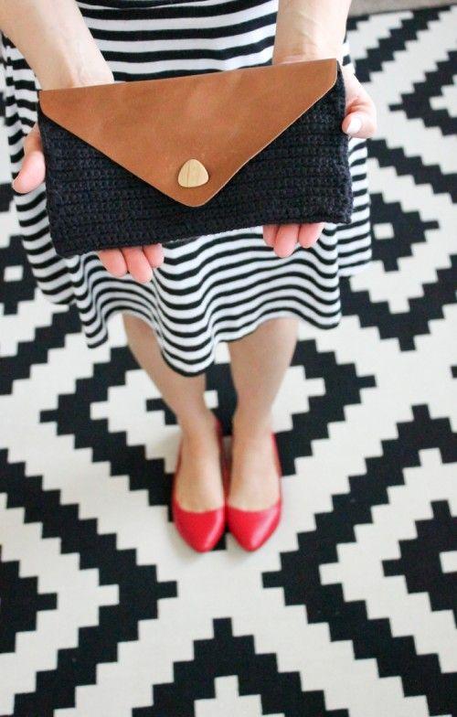 Cool Diy Crocheted Leather Flap Clutch Crochet Clutch Crochet Bag Tutorials Crochet Bag