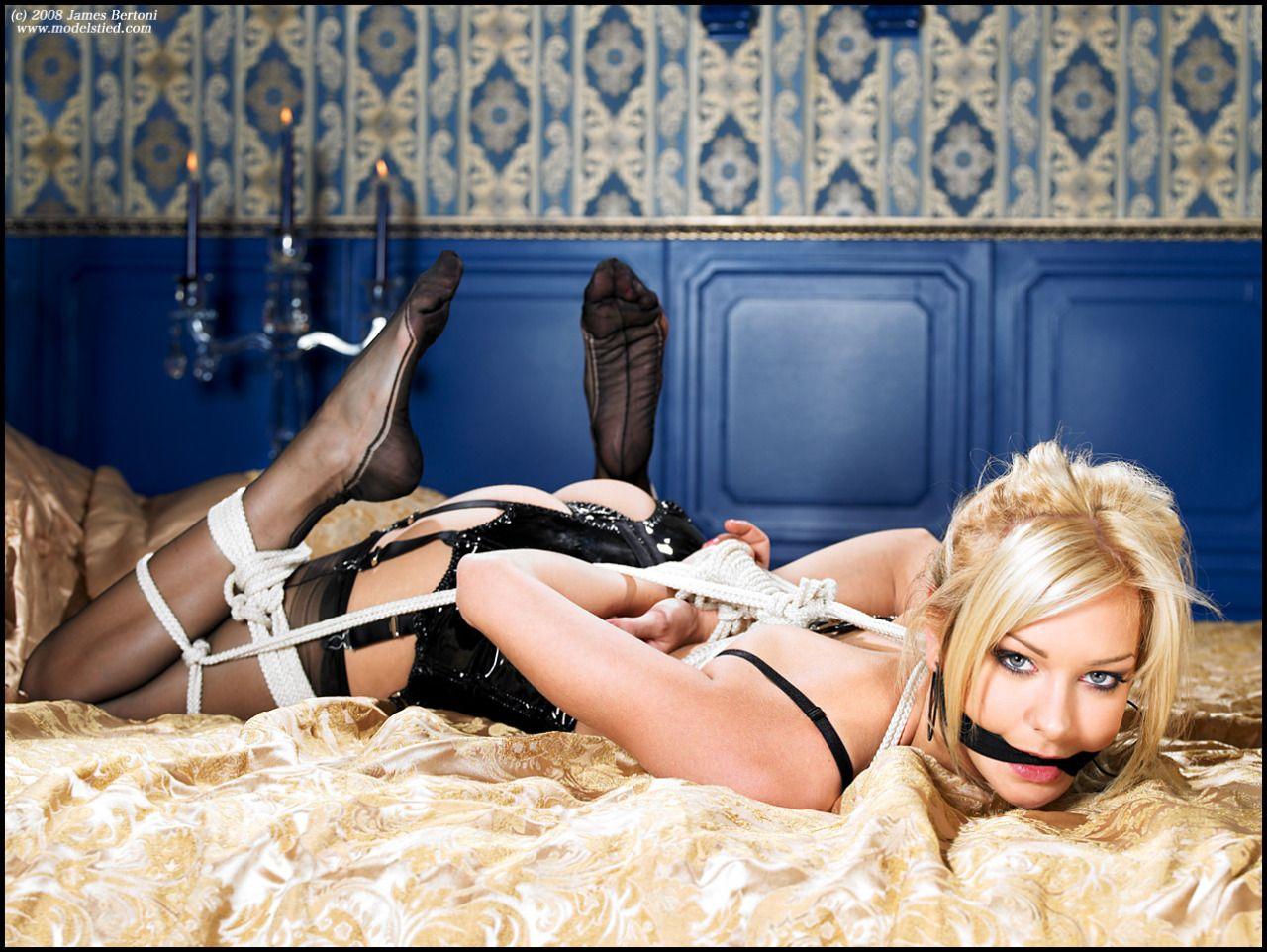 frække nøgenbilleder slave søges gratis homo chat