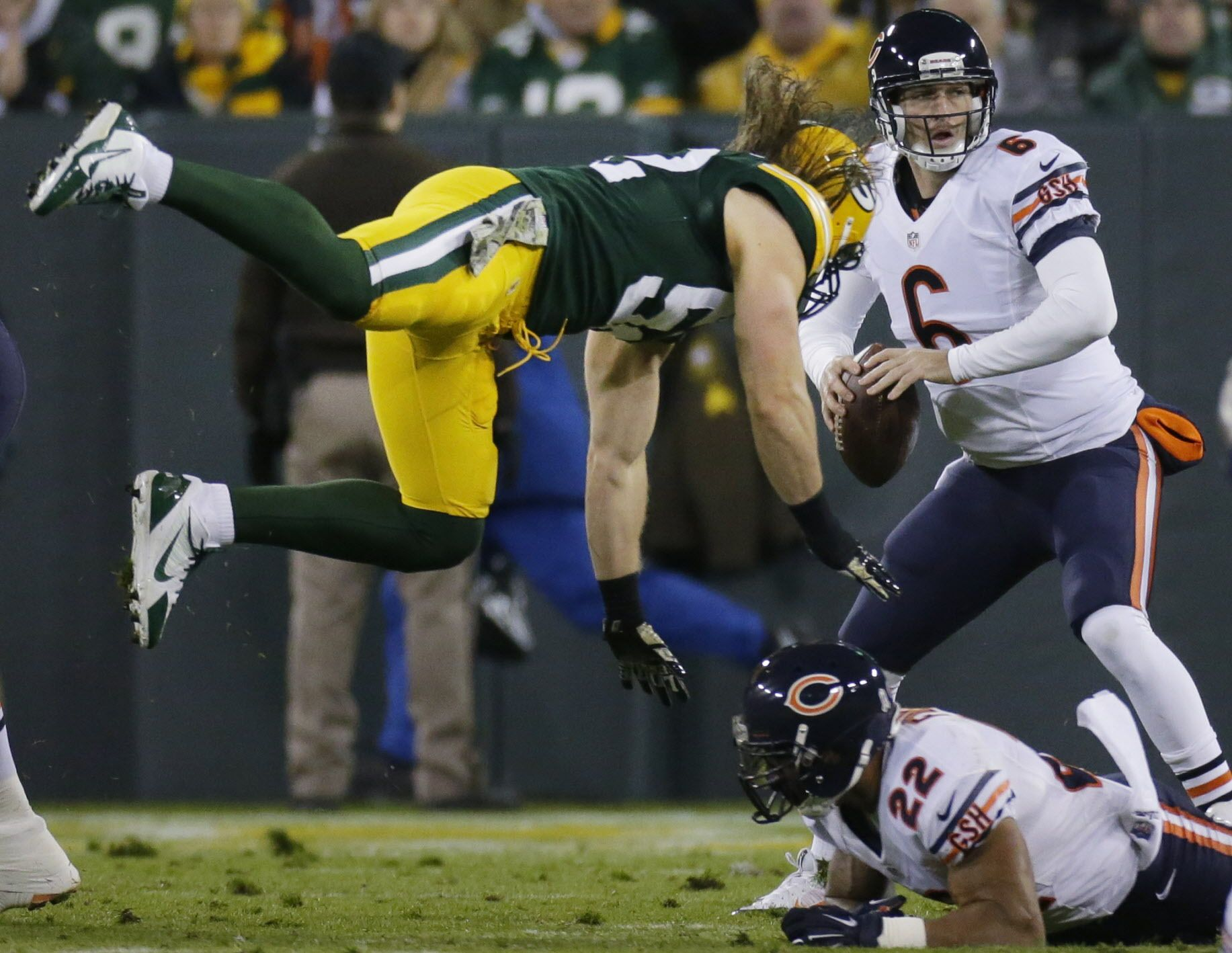 Packers Clay Matthews Moves To Inside Linebacker Green Bay Packers Packers Clay Matthews