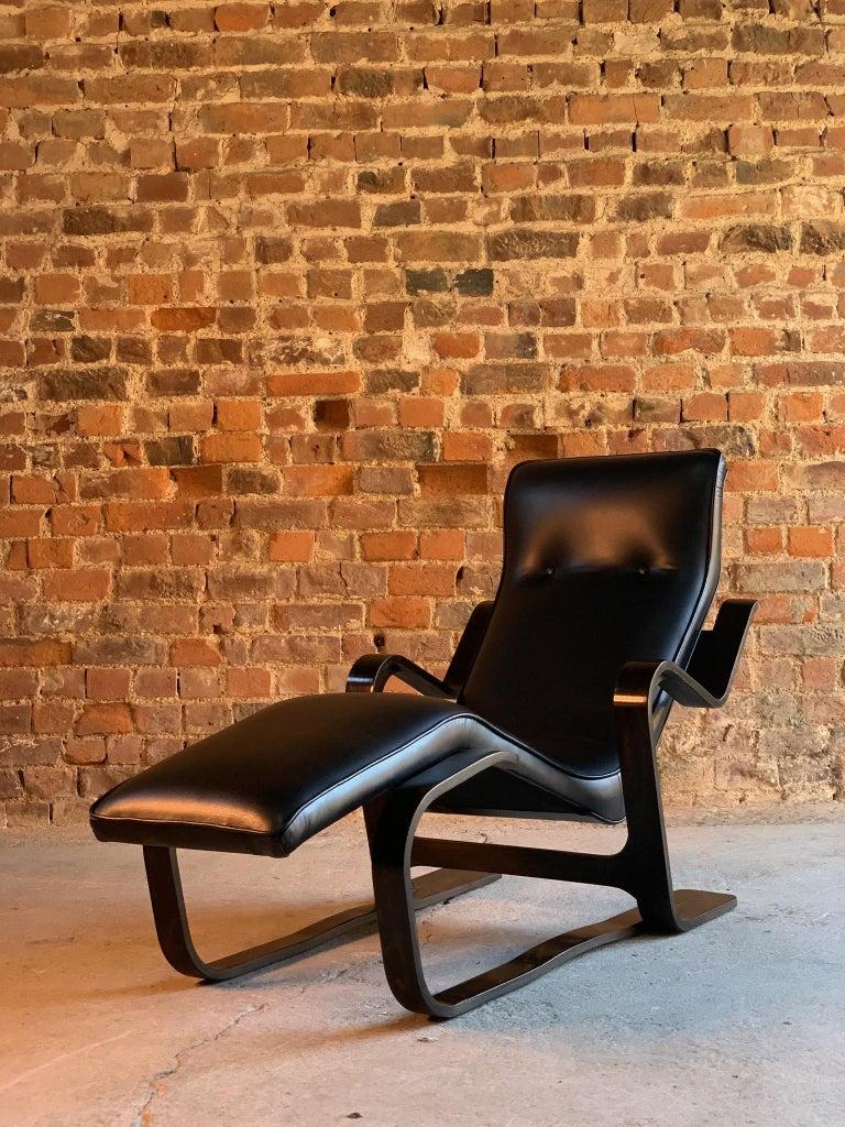 Marcel Breuer Long Chair Chaise Lounge by Isokon, circa