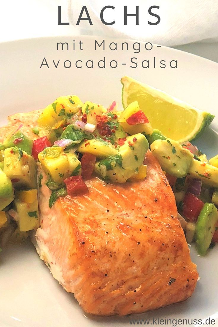 Photo of This is a recipe for salmon with mango and avocado salsa from kleingenuss.de. The K…