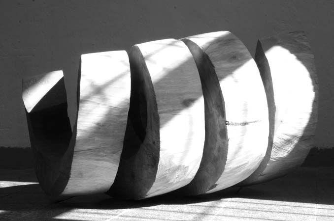 2 holz skulptur spirale