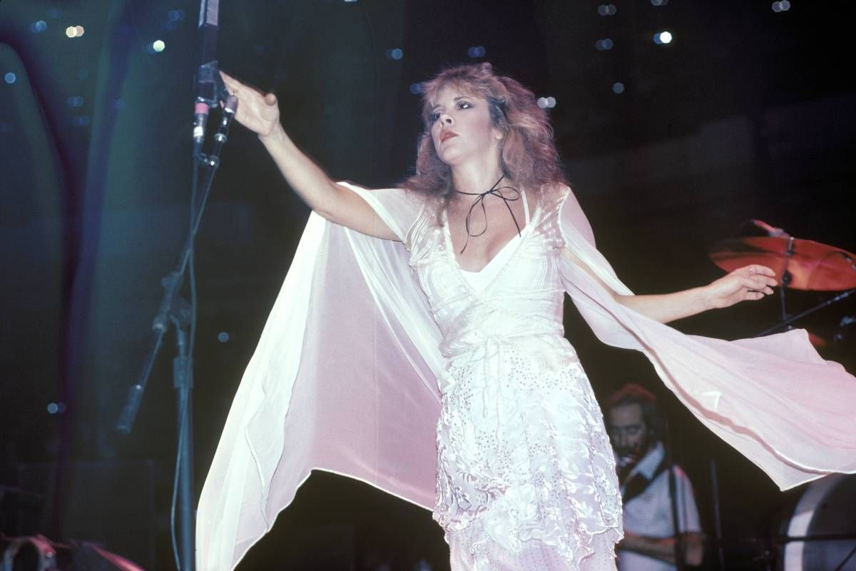 The Letter Stevie Nicks Wrote And Never Sent Stevie Nicks Stevie Nicks Style Stevie [ 800 x 1200 Pixel ]