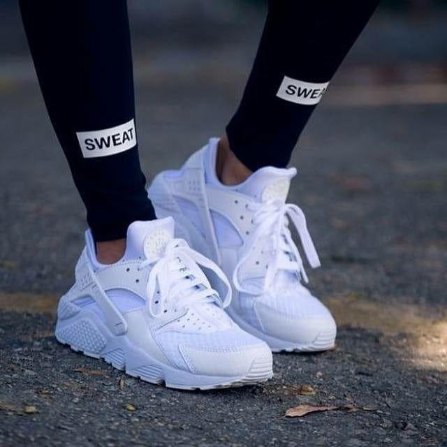 Nike Huarache White Harga Rp 530 000 Ukuran 39 40 41 42 43