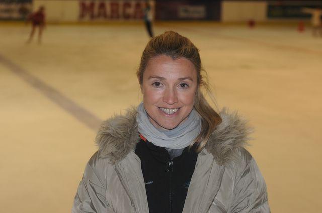 ¿Quieres conocer a nuestros entrenadores? Carolina Sanz    La Nevera - Pista de Hielo - Majadahonda
