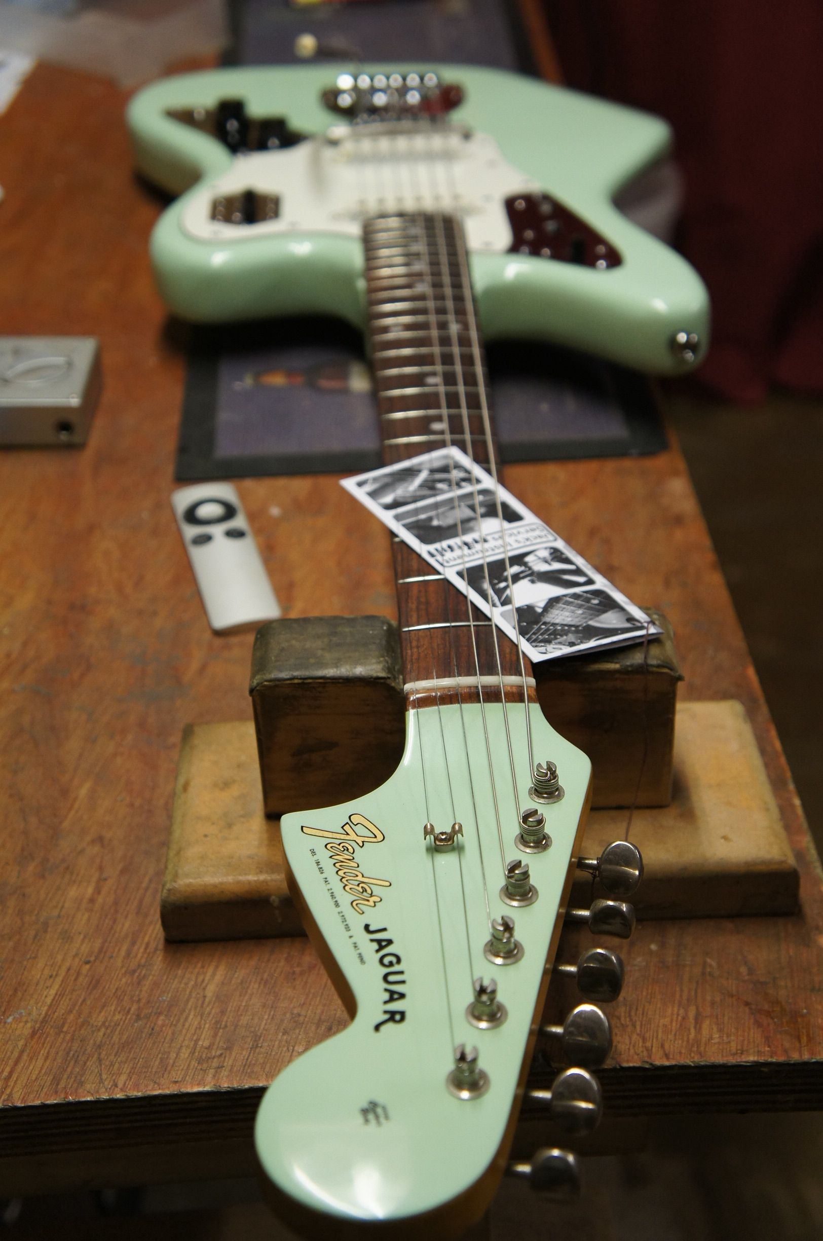 matching surf green headstock and body jaguar paint job what a guitar electric guitars. Black Bedroom Furniture Sets. Home Design Ideas