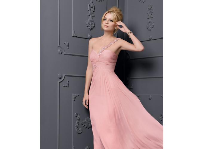 Novias vestidas por rosa clara